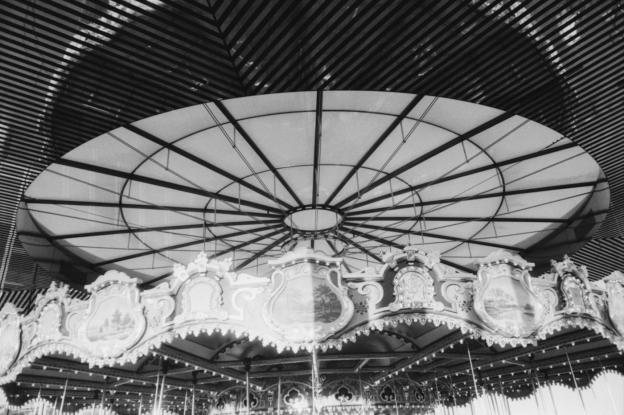 Carousel Top