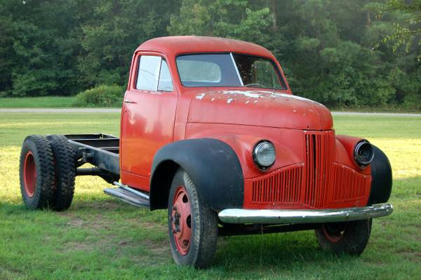 1947 Studebaker 2 ton truck